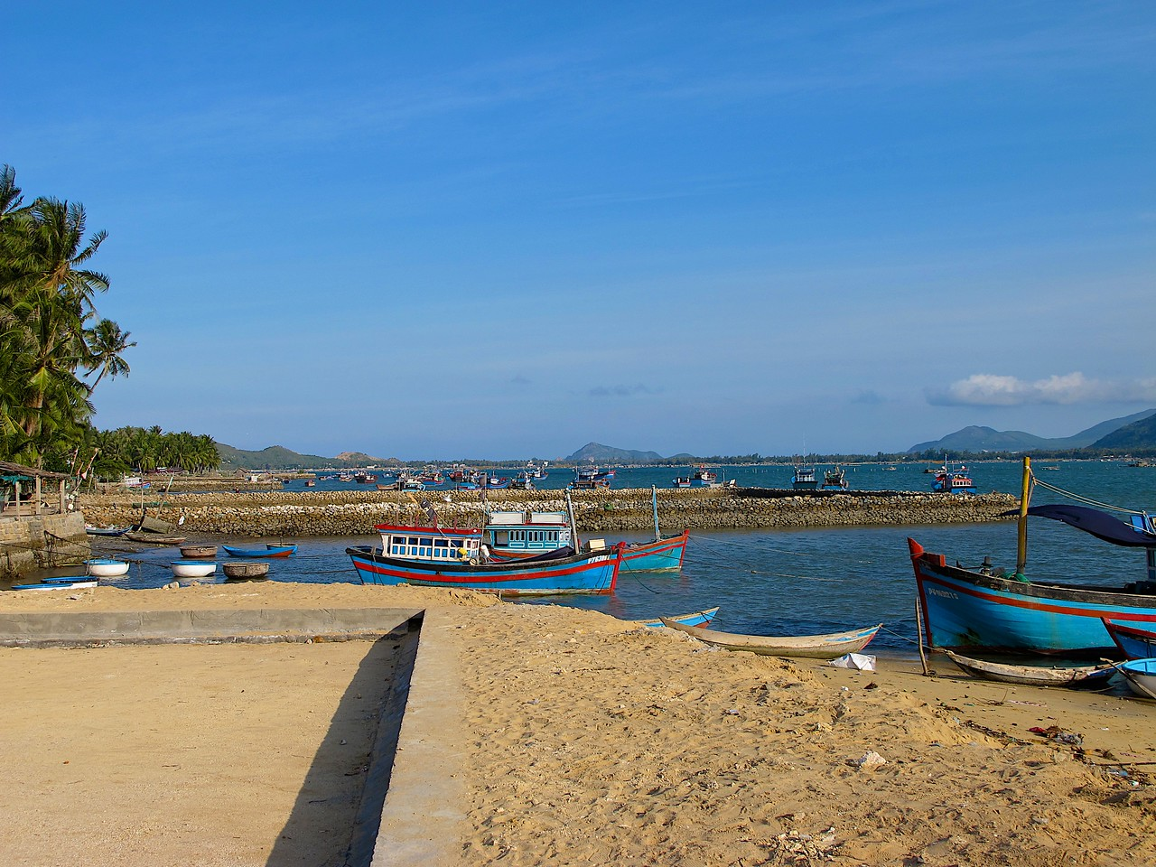 Near the resort are two small local fishing villages.