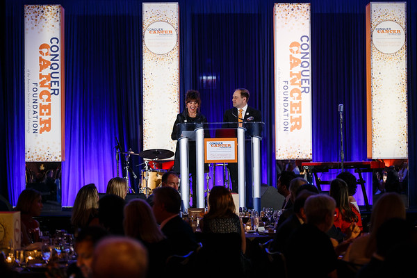 Thomas G. Roberts, Jr., MD, CCF Board Chair, speaks during Conquer Cancer Foundation Dinner