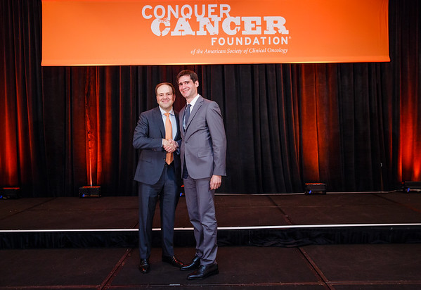 2017 Young Investigator Award Recipient Milos Miljkovic, MD, MSc with Thomas G. Roberts, Jr., MD, Chair of the Conquer Cancer Foundation Board of Directors, during 2017 Grants & Awards Ceremony and Reception