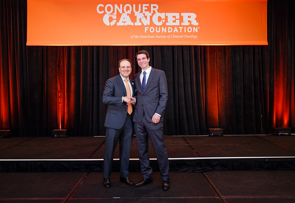2017 Young Investigator Award Recipient Jeffrey Rubens, MD with Thomas G. Roberts, Jr., MD, Chair of the Conquer Cancer Foundation Board of Directors, during 2017 Grants & Awards Ceremony and Reception