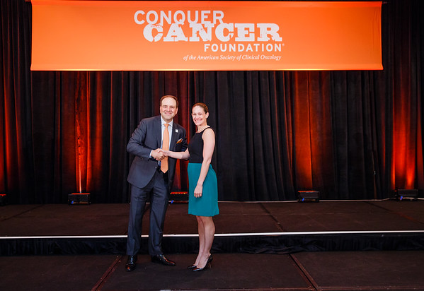 2017 Career Development Award Recipient Melissa Accordino, MD with Thomas G. Roberts, Jr., MD, Chair of the Conquer Cancer Foundation Board of Directors, during 2017 Grants & Awards Ceremony and Reception