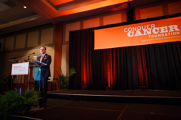 Thomas G. Roberts, Jr., MD, Chair of the Conquer Cancer Foundation Board of Directors, during 2017 Grants & Awards Ceremony and Reception