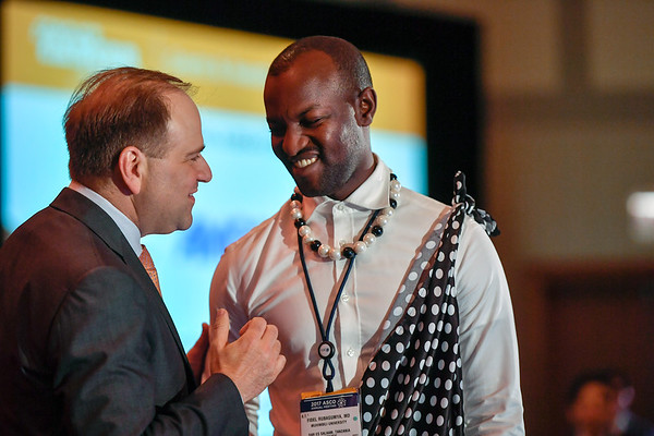 2017 IDEA Recipient Fidel Muhimbili Rubagumya, MD with Thomas G. Roberts, Jr., MD, Chair of the Conquer Cancer Foundation Board of Directors, during 2017 Grants & Awards Ceremony and Reception