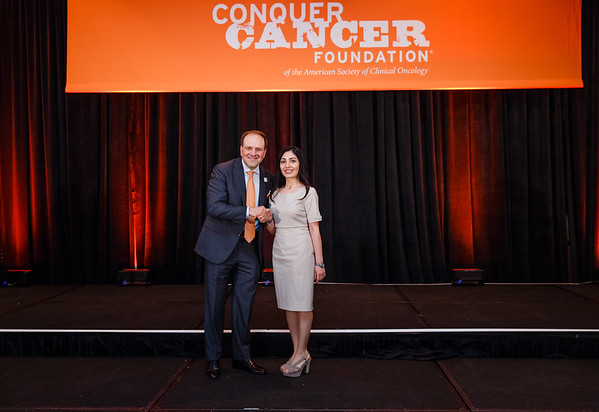 2017 IDEA Recipient Zulfiyya Imamguliyeva, MD with Thomas G. Roberts, Jr., MD, Chair of the Conquer Cancer Foundation Board of Directors, during 2017 Grants & Awards Ceremony and Reception