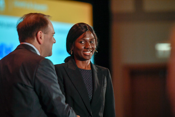 2017 Resident Travel Award Recipient Emififen Udejiofor, MD with Thomas G. Roberts, Jr., MD, Chair of the Conquer Cancer Foundation Board of Directors, during 2017 Grants & Awards Ceremony and Reception