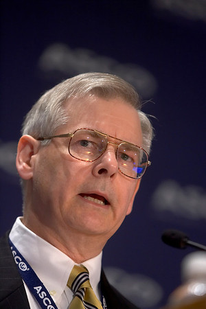 Orlando, FL - ASCO 2005 - David H. Johnson, MD, ASCO President, addresses the opening press conference, Friday, May 13, 2005 at the American Society of Clinical Oncology's (ASCO) 41st Annual Meeting at the Orange County Convention Center in Orlando, Fl. The meeting attracts more than 25,000 oncologists, cancer researchers and cancer care professionals from more than 100 countries. Credit: Photo Courtesy © ASCO/Todd Buchanan 2005. ASCO Contact: Carrie Housman/Communications Dept.; 703-519-1423. Technical Questions: todd@toddbuchanan.com; 612-226-5154.