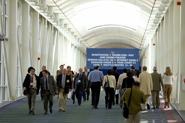 Chicago, IL - ASCO 2007 - Attendees travel to sessions, Friday, June 1, 2007, during the American Society of Clinical Oncology's (ASCO) 43rd Annual Meeting. The meeting attracts more than 25,000 oncologists, researchers, and cancer care professionals from more than 100 countries. Date: Friday June 1, 2007. Credit: Photo Courtesy © ASCO/Todd Buchanan 2007. ASCO Contact: Tiffany Reynolds/Communications Dept.; 703-519-1423. Technical Questions: todd@toddbuchanan.com; 612-226-5154.