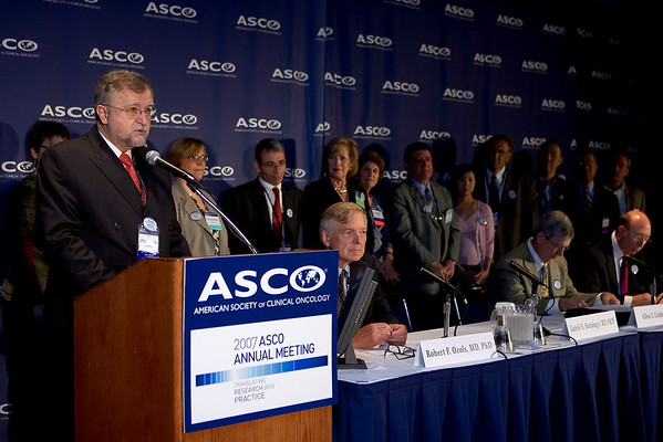 Chicago, IL - ASCO 2007 - Gabriel N. Hortobagyi, MD, FACP, President of the American Society of Clinical Oncology (ASCO), speaks during the Opening Press Briefing, Friday June 1, 2007 at ASCO's 43rd Annual Meeting. The meeting attracts more than 25,000 oncologists, researchers, and cancer care professionals from more than 100 countries. Date: Friday June 1, 2007. Credit: Photo Courtesy © ASCO/Todd Buchanan 2007. ASCO Contact: Tiffany Reynolds/Communications Dept.; 703-519-1423. Technical Questions: todd@toddbuchanan.com; 612-226-5154.