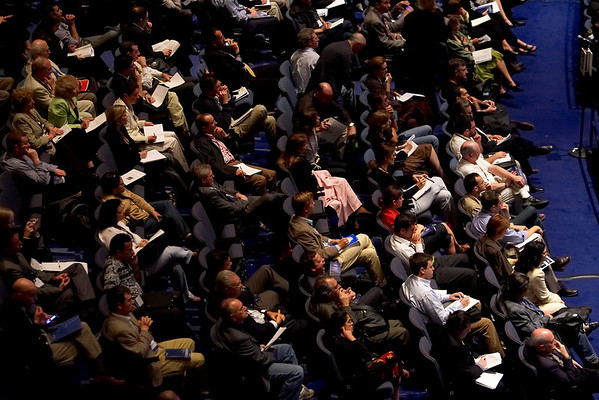 Chicago, IL - ASCO 2007 - Attendees listen attentively during the Genitourinary Cancer (Prostate and Testes) Oral Abstract Session on, Monday, June 4, 2007 at the American Society of Clinical Oncology's (ASCO) 43rd Annual Meeting. The meeting attracts more than 25,000 oncologists, researchers, and cancer care professionals from more than 100 countries. Date: Monday, June 4, 2007. Credit: Photo Courtesy © ASCO/Todd Buchanan 2007. ASCO Contact: Tiffany Reynolds/Communications Dept.; 703-519-1423. Technical Questions: todd@toddbuchanan.com; 612-226-5154.