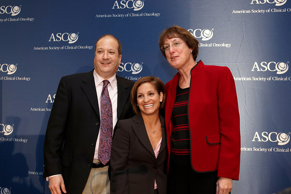 Chicago, IL - ASCO 2008: Nancy Davidson, MD, President of ASCO, Olympic Champion Mary Lou Retton and Mike Burg, CEO of Edge Entertainment, pose after the Frosted Pink with a Twist Press Briefing on Friday, May 30, 2008, during the American Society of Clinical Oncology's (ASCO) 44th Annual Meeting. The meeting attracts more than 25,000 oncologists, cancer researchers and cancer care professionals from more than 100 countries. Date: Friday, May 30, 2008 Photo by © ASCO/Todd Buchanan 2008 ASCO Contact: Tiffany Reynolds/Communications Dept.; 703-519-1423. Technical Questions: todd@toddbuchanan.com; Phone: 612-226-5154.