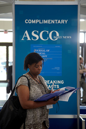 Orlando, FL - ASCO 2009 Annual Meeting: General views of the Orange County Convention center here today, Friday May 29, 2009 during the American Society of Clinical Oncology's (ASCO) 45th Annual Meeting. The meeting attracts more than 25,000 oncologists, cancer researchers and cancer care professionals from more than 100 countries. Photo by , ASCO Contact: Kelly Powell/Communications Dept.; 571-483-1365. Technical Questions: todd@toddbuchanan.com; Phone: 612-226-5154.