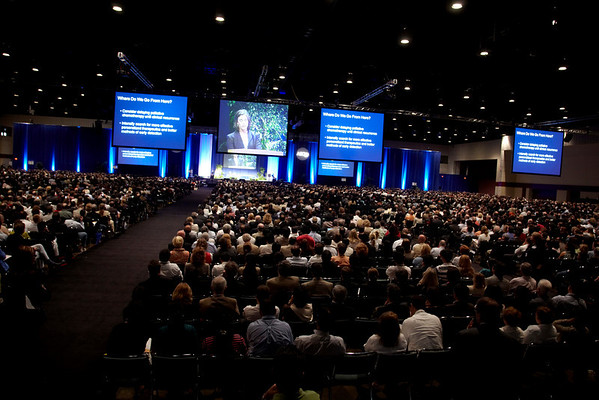 Orlando, FL - ASCO 2009 Annual Meeting: Plenary Session crowds at the American Society for Clinical Oncology Annual Meeting here today, Sunday May 31, 2009. Over 25,000  physicians, researchers and healthcare professionals from over 80 countries are attending the meeting which is being held at the Orange County Convention center and features the latest cancer  research in the areas of basic and clinical science. Date: Sunday May 31, 2009 Photo by © ASCO/Todd Buchanan 2009 Technical Questions: todd@toddbuchanan.com; Phone: 612-226-5154.