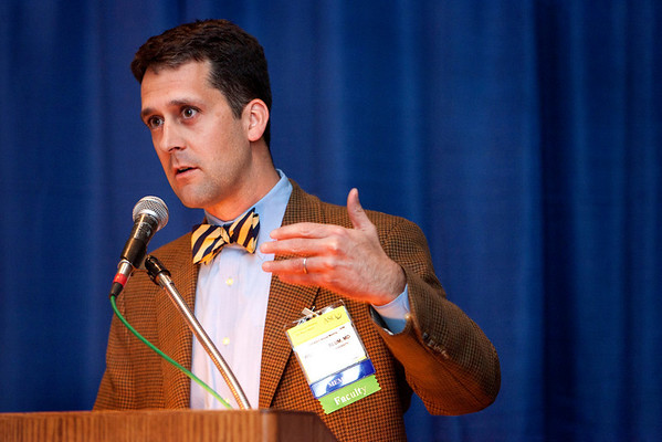 Chicago, IL - 2010 ASCO Annual Meeting: William Blum, MD, presents at Grant Writing Workshop I at the American Society of Clinical Oncology Annual Meeting on Friday, June 4, 2010. Over 32,000  physicians, researchers and healthcare professionals from over 100 countries attended the meeting, which was held at McCormick Place and featured the latest innovations in cancer research, quality, practice and technology. Date: Friday, June 4, 2010 Photo by © ASCO/Chris Salata 2010 Technical Questions: todd@toddbuchanan.com; ASCO Contact: photos@asco.org