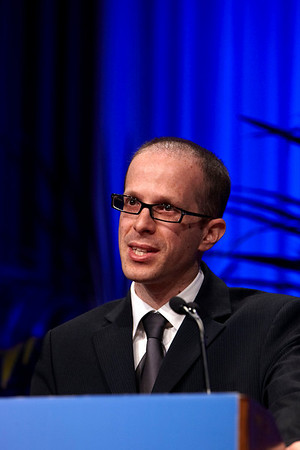 Chicago, IL - 2010 ASCO Annual Meeting: Eitan Amir, MD, ChB, presents Abstract 1007 at the American Society of Clinical Oncology Annual Meeting on Tuesday, June 8, 2010. Over 32,000 physicians, researchers and healthcare professionals from over 100 countries attended the meeting, which was held at McCormick Place and featured the latest innovations in cancer research, quality, practice and technology. Date: Tuesday June 8, 2010 Photo by © ASCO/Todd Buchanan 2010 Technical Questions: todd@toddbuchanan.com; ASCO Contact: photos@asco.org