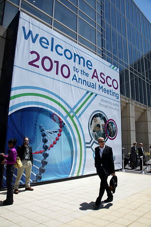Chicago, IL - 2010 ASCO Annual Meeting: General Views at the American Society of Clinical Oncology Annual Meeting on Monday, June 7, 2010. Over 32,000 physicians, researchers and healthcare professionals from over 100 countries attended the meeting, which was held at McCormick Place and featured the latest innovations in cancer research, quality, practice and technology. Date: Monday June 7, 2010 Photo by © ASCO/Todd Buchanan 2010 Technical Questions: todd@toddbuchanan.com; ASCO Contact: photos@asco.org