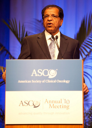 "Chicago, IL - 2010 ASCO Annual Meeting: Giridharan Ramsingh, MD, MBBS, speaks during the ""Clinical Science Symposium, Geriatric Oncology, Patient and Survivor Care"" at the American Society of Clinical Oncology Annual Meeting on Monday, June 7, 2010. Over 32,000 physicians, researchers and healthcare professionals from over 100 countries attended the meeting, which was held at McCormick Place and featured the latest innovations in cancer research, quality, practice and technology. Date: Monday June 7, 2010 Photo by © ASCO/Chris Salata 2010 Technical Questions: todd@toddbuchanan.com; ASCO Contact: photos@asco.org"