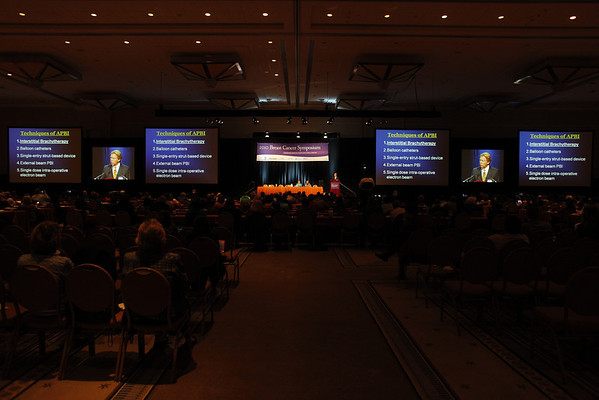 National Harbor, MD - ASCO 2010 Breast Cancer Symposium  - Dr.Robert R. Kuske speaks during General Session V during the 2010 ASCO Breast Cancer Symposium here today, Saturday October 2, 2010 at the Gaylord Hotel in suburban Washington, D.C. Date: Saturday October 2, 2010 Photo by © ASCO/Zach Boyden-Holmes 2010 Technical Questions: todd@toddbuchanan.com; Phone: 612-226-5154.