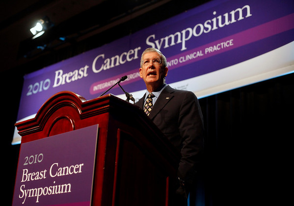 National Harbor, MD - ASCO 2010 Breast Cancer Symposium  - Allen Lichter, MD speaks during General session VIII at the 2010 ASCO Breast Cancer Symposium here today, Saturday October 3, 2010 at the Gaylord Hotel in suburban Washington, D.C. Date: Saturday October 3, 2010 Photo by © ASCO/Zach Boyden-Holmes 2010 Technical Questions: todd@toddbuchanan.com; Phone: 612-226-5154.