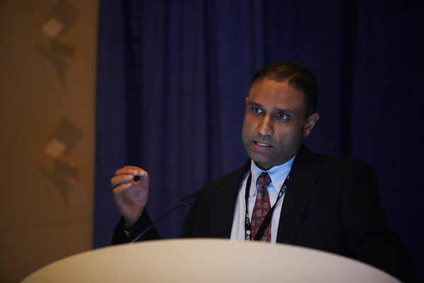 Chicago, IL - ASCO 2011 Annual Meeting:  Anil Sood, MD  speaks during the Oral Abstract Session: Gynecologic Cancer at the American Society for Clinical Oncology Annual Meeting here today, Saturday June 4, 2011. Over 25,000  physicians, researchers and healthcare professionals from over 100 countries are attending the meeting which is being held at the McCormick Convention center and features the latest cancer research in the areas of basic and clinical science. Date: Saturday June 4, 2011 Photo by © GMG/Silas Crews 2011 Technical Questions: todd@toddbuchanan.com; ASCO Contact: photos@asco.org Event Name: Oral Abstract Session: Gynecologic Cancer