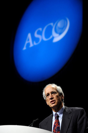 Chicago, IL - ASCO 2011 Annual Meeting:  Joel  Tepper, M.D. speaks during the Highlights of the Day session at the American Society for Clinical Oncology Annual Meeting here today, Sunday June 5, 2011. Over 25,000  physicians, researchers and healthcare professionals from over 100 countries are attending the meeting which is being held at the McCormick Convention center and features the latest cancer research in the areas of basic and clinical science. Date: Sunday June 5, 2011 Photo by © GMG/Phil McCarten 2011 Technical Questions: todd@toddbuchanan.com; ASCO Contact: photos@asco.org Event Name: Highlights of the Day