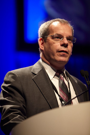 Chicago, IL - ASCO 2011 Annual Meeting: Michael Gordon speaks during the Developmental Therapeutics - Experimental Therapeutics Oral Abstract Session at the American Society for Clinical Oncology Annual Meeting here today, Sunday June 5, 2011. Over 25,000  physicians, researchers and healthcare professionals from over 100 countries are attending the meeting which is being held at the McCormick Convention center and features the latest cancer research in the areas of basic and clinical science. Date: Sunday June 5, 2011 Photo by © GMG/Scott Morgan 2011 Technical Questions: todd@toddbuchanan.com; ASCO Contact: photos@asco.org Event Name: Developmental Therapeutics - Experimental Therapeutics Oral Abstract Session
