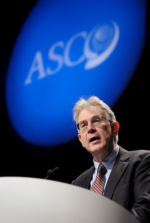 Chicago, IL - ASCO 2011 Annual Meeting:  George  Sledge, M.D. speaks during the Highlights of the Day session at the American Society for Clinical Oncology Annual Meeting here today, Sunday June 5, 2011. Over 25,000  physicians, researchers and healthcare professionals from over 100 countries are attending the meeting which is being held at the McCormick Convention center and features the latest cancer research in the areas of basic and clinical science. Date: Sunday June 5, 2011 Photo by © GMG/Phil McCarten 2011 Technical Questions: todd@toddbuchanan.com; ASCO Contact: photos@asco.org Event Name: Highlights of the Day