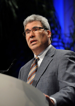 Chicago, IL - ASCO 2011 Annual Meeting:  Martin S.  Tallman, M.D. speaks during the Plenary Session at the American Society for Clinical Oncology Annual Meeting here today, Sunday June 5, 2011. Over 25,000  physicians, researchers and healthcare professionals from over 100 countries are attending the meeting which is being held at the McCormick Convention center and features the latest cancer research in the areas of basic and clinical science. Date: Sunday June 5, 2011 Photo by © GMG/Phil McCarten 2011 Technical Questions: todd@toddbuchanan.com; ASCO Contact: photos@asco.org Event Name: Plenary Session