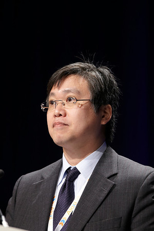 Chicago, IL - ASCO 2011 Annual Meeting:  Tatsuya  Ioka speaks during the Abstract 4007 at the American Society for Clinical Oncology Annual Meeting here today, Tuesday June 7, 2011. Over 25,000  physicians, researchers and healthcare professionals from over 100 countries are attending the meeting which is being held at the McCormick Convention center and features the latest cancer research in the areas of basic and clinical science. Date: Tuesday June 7, 2011 Photo by © GMG/Todd Buchanan 2011 Technical Questions: todd@toddbuchanan.com; ASCO Contact: photos@asco.org Event Name: Abstract 4007