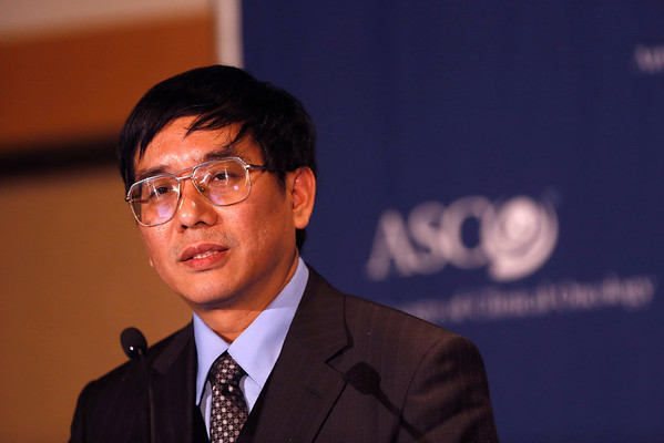 Chicago, IL - ASCO 2012 Annual Meeting: - James Chih-Hsin Yang, MD, PhD<br /> National Taiwan University Hospital Taipei, Taiwan<br /> Institut Gustave Roussy Villejuif, FranceDana Farber Cancer Institute Boston, MA discusses research during the Press Conference: Highlighted Research of the Day: Patient Centered Care at the American Society for Clinical Oncology (ASCO) Annual Meeting here today, Sunday June 3, 2012.  Over 25,000 physicians, researchers and healthcare professionals from over 100 countries are attending the meeting which is being held at the McCormick Convention center and features the latest cancer research in the areas of basic and clinical science. Photo by © ASCO/Todd Buchanan 2012 Technical Questions: todd@toddbuchanan.com; ASCO Contact: photos@asco.org