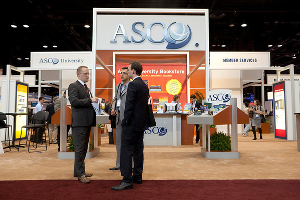 Chicago, IL - ASCO 2012 Annual Meeting: - General Views  of ASCO University at the American Society for Clinical Oncology (ASCO) Annual Meeting here today, Sunday June 3, 2012.  Over 31,000 physicians, researchers and healthcare professionals from over 100 countries are attending the meeting which is being held at the McCormick Convention center and features the latest cancer research in the areas of basic and clinical science. Photo by © ASCO/Scott Morgan 2012 Technical Questions: todd@toddbuchanan.com; ASCO Contact: photos@asco.org