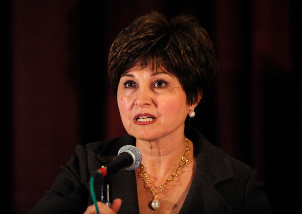 Chicago, IL - ASCO 2011 Annual Meeting: - Maha Hussain, MD, FACP,  speaks during the Post-Plenary Discussionon Prostate Cancer at the American Society for Clinical Oncology (ASCO) Annual Meeting here today, Sunday June 3, 2012.  Over 25,000 physicians, researchers and healthcare professionals from over 100 countries are attending the meeting which is being held at the McCormick Convention center and features the latest cancer research in the areas of basic and clinical science. Photo by © ASCO/Phil McCarten 2012 Technical Questions: todd@toddbuchanan.com; ASCO Contact: photos@asco.org