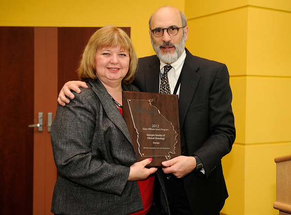 Chicago, IL - ASCO 2011 Annual Meeting: - State Affiliate Grant recipient Karen M. Beard  is recognized by ASCO President Michael Link, MD, during the State Affiliate President's Reception at the American Society for Clinical Oncology (ASCO) Annual Meeting here today, Sunday June 3, 2012.  Over 25,000 physicians, researchers and healthcare professionals from over 100 countries are attending the meeting which is being held at the McCormick Convention center and features the latest cancer research in the areas of basic and clinical science. Photo by © ASCO/Phil McCarten 2012 Technical Questions: todd@toddbuchanan.com; ASCO Contact: photos@asco.org