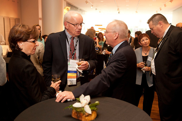 Chicago, IL - ASCO 2012 Annual Meeting: - Attendees during Presidents Dinner at the American Society for Clinical Oncology (ASCO) Annual Meeting here today, Saturday June 2, 2012.  Over 25,000 physicians, researchers and healthcare professionals from over 100 countries are attending the meeting which is being held at the McCormick Convention center and features the latest cancer research in the areas of basic and clinical science. Photo by © ASCO/Scott Morgan 2012 Technical Questions: todd@toddbuchanan.com; ASCO Contact: photos@asco.org
