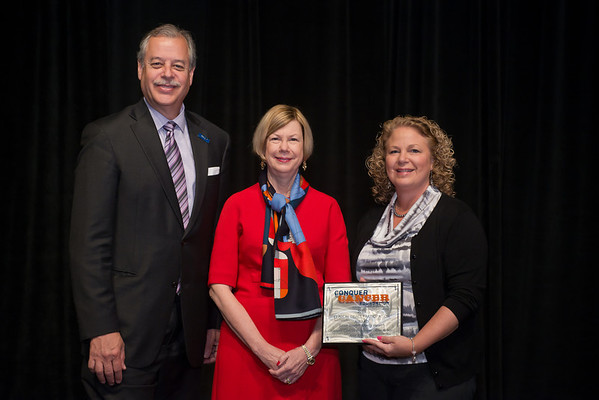Chicago, IL - ASCO 2013 Annual Meeting: - Dr. Sandra Swain with Representatives from Saint Joseph's Mercy Health during the Clinical Trials Participation Awards at the American Society for Clinical Oncology (ASCO) Annual Meeting here today, Sunday June 2, 2013.  Over 30,000 physicians, researchers and healthcare professionals from over 100 countries are attending the meeting which is being held at the McCormick Convention center and features the latest cancer research in the areas of basic and clinical science. Photo by © ASCO/Brian Powers 2013 Technical Questions: todd@toddbuchanan.com; ASCO Contact: photos@asco.org