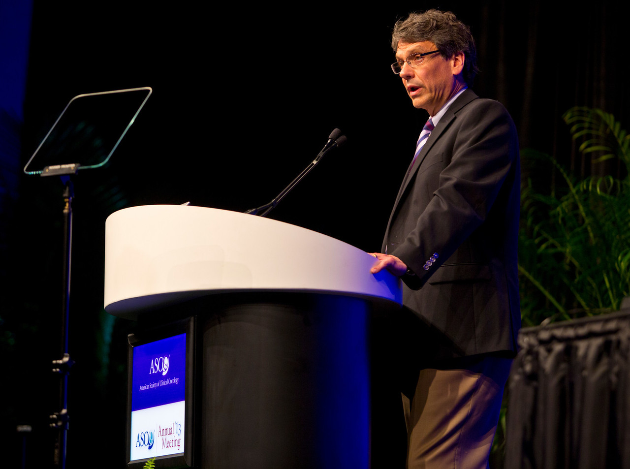 Chicago, IL - ASCO 2013 Annual Meeting: - Charles E. Geyer during Ed Ses: Pushing the Limits of Upfront Care and Drug Development: Neoadjuvant Opportunities in Breast Cancer at the American Society for Clinical Oncology (ASCO) Annual Meeting here today, Saturday June 1, 2013.  Over 30,000 physicians, researchers and healthcare professionals from over 100 countries are attending the meeting which is being held at the McCormick Convention center and features the latest cancer research in the areas of basic and clinical science. Photo by © ASCO/Rodney White 2013 Technical Questions: todd@toddbuchanan.com; ASCO Contact: photos@asco.org
