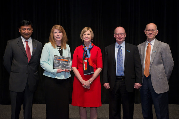 Chicago, IL - ASCO 2013 Annual Meeting: - Dr. Sandra Swain with representatives from Illinois Cancer Care, PC during the Clinical Trials Participation Awards at the American Society for Clinical Oncology (ASCO) Annual Meeting here today, Sunday June 2, 2013.  Over 30,000 physicians, researchers and healthcare professionals from over 100 countries are attending the meeting which is being held at the McCormick Convention center and features the latest cancer research in the areas of basic and clinical science. Photo by © ASCO/Brian Powers 2013 Technical Questions: todd@toddbuchanan.com; ASCO Contact: photos@asco.org