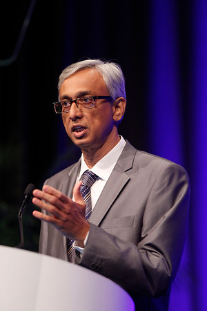 Chicago, IL - ASCO 2013 Annual Meeting: - Dr. Surendra Srinivas Shastri during PLENARY at the American Society for Clinical Oncology (ASCO) Annual Meeting here today, Sunday June 2, 2013.  Over 30,000 physicians, researchers and healthcare professionals from over 100 countries are attending the meeting which is being held at the McCormick Convention center and features the latest cancer research in the areas of basic and clinical science. Photo by © ASCO/Rodney White 2013 Technical Questions: todd@toddbuchanan.com; ASCO Contact: photos@asco.org