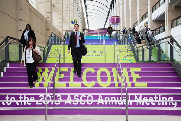 Chicago, IL - ASCO 2013 Annual Meeting: - Attendees during General Views at the American Society for Clinical Oncology (ASCO) Annual Meeting here today, Friday May 31, 2013.  Over 30,000 physicians, researchers and healthcare professionals from over 100 countries are attending the meeting which is being held at the McCormick Convention center and features the latest cancer research in the areas of basic and clinical science. Photo by © ASCO/Todd Buchanan 2013 Technical Questions: todd@toddbuchanan.com; ASCO Contact: photos@asco.org