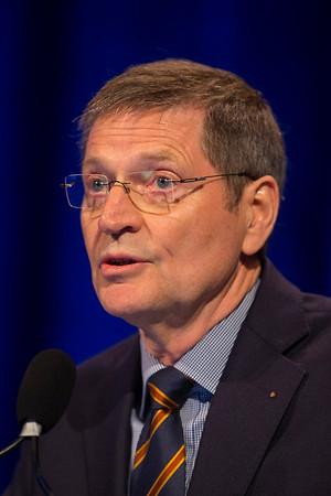 Prof. Klaus-Peter Dieckmann presenting Abstract 376