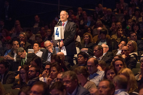 Attendees listen to presenations  during Melanoma/Skin Cancers Oral Abstract Session