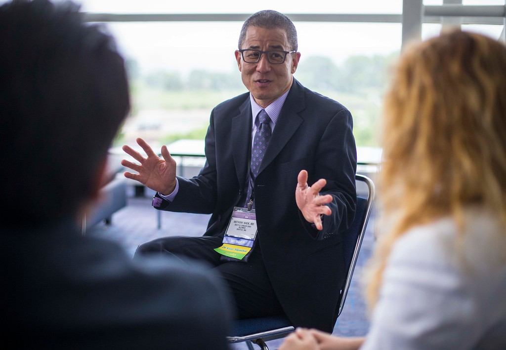 Anthony Back, MD, leads a physician wellness session  during Physician Wellness: Refresh and Reboot at the Annual Meeting