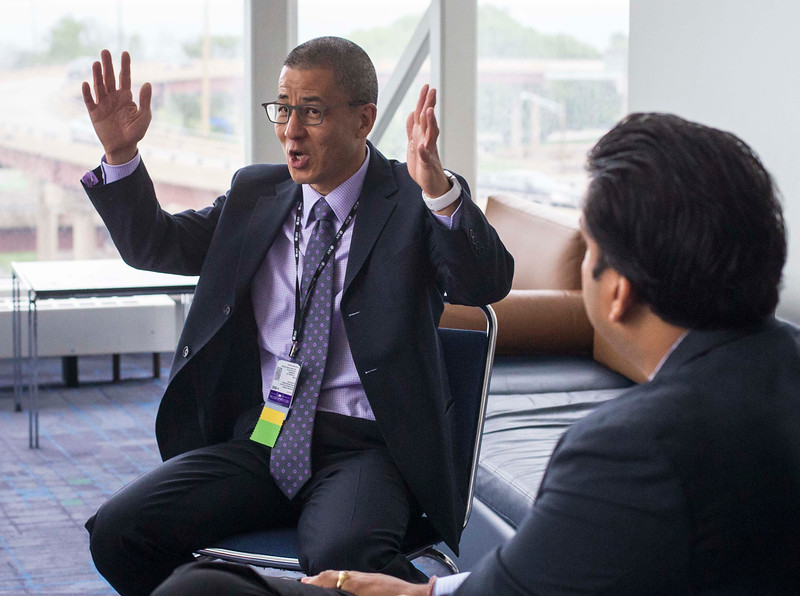 Anthony Back, MD, leads a physician wellness session during Physician Wellness: Refresh and Reboot