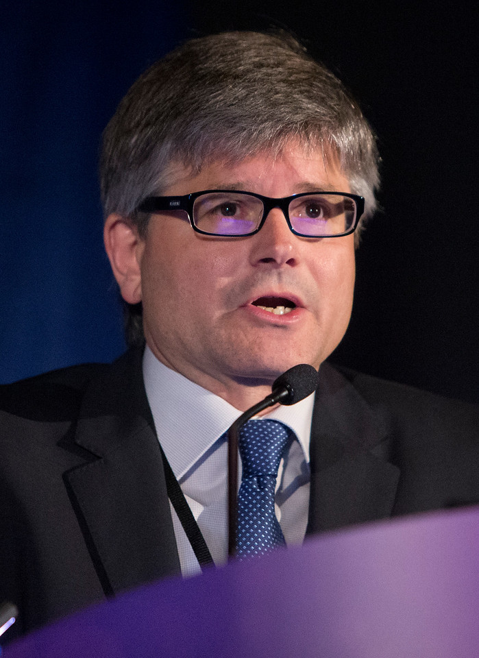 Jaume Mora, MD, PhD, presents Abstract 11002 during Sarcoma Oral Abstract Session