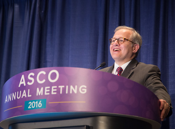 Ethan Dmitrovsky, MD delivering the ASCO-ACS Lecture during ASCO-American Cancer Society Award and Lecture