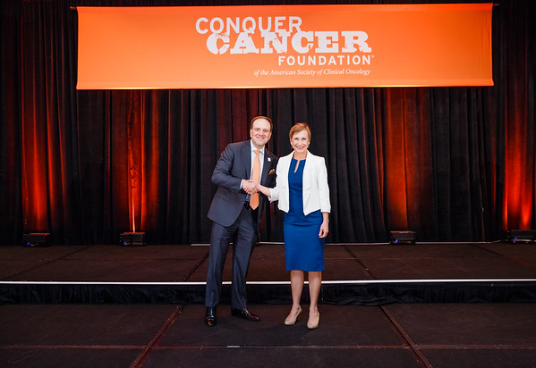 2017 Career Development Award Recipient Jennifer McQuade, MD with Thomas G. Roberts, Jr., MD, Chair of the Conquer Cancer Foundation Board of Directors, during 2017 Grants & Awards Ceremony and Reception