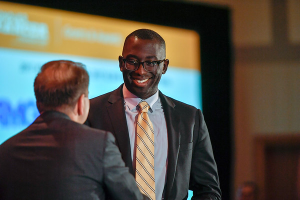2017 Resident Travel Award Recipient Frederick Doamekpor, MD with Thomas G. Roberts, Jr., MD, Chair of the Conquer Cancer Foundation Board of Directors, during 2017 Grants & Awards Ceremony and Reception