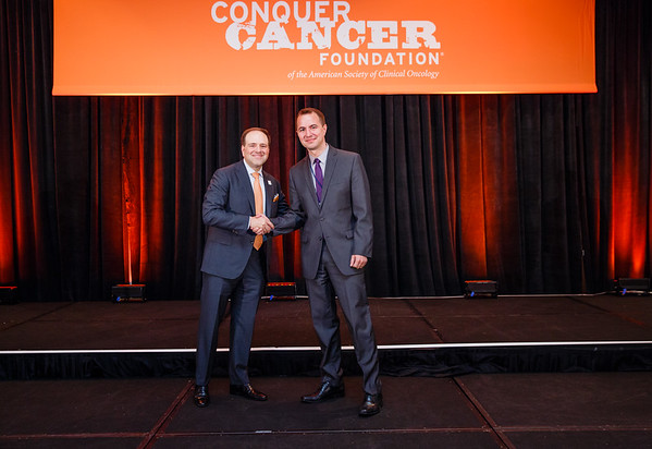 2017 Young Investigator Award Recipient Bruno Bockorny, MD with Thomas G. Roberts, Jr., MD, Chair of the Conquer Cancer Foundation Board of Directors, during 2017 Grants & Awards Ceremony and Reception
