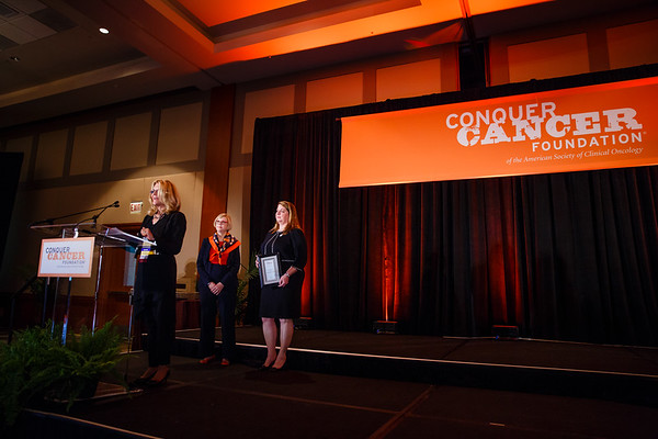 Women Who Conquer Cancer Mentorship Award Recipient Elizabeth Shpall, MD, during 2017 Grants & Awards Ceremony and Reception
