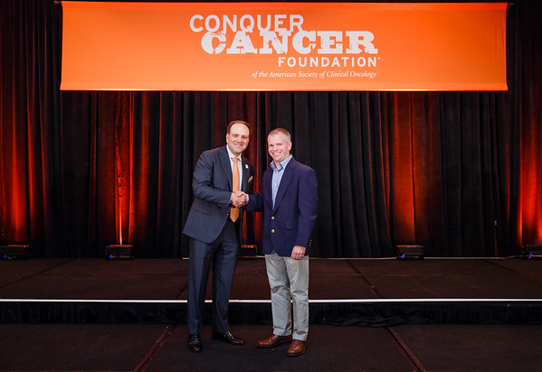 2017 Young Investigator Award Recipient Jonathan Webster, MD with Thomas G. Roberts, Jr., MD, Chair of the Conquer Cancer Foundation Board of Directors, during 2017 Grants & Awards Ceremony and Reception
