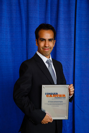2017 IDEA Recipient Jose Enrique Gonzales Nogales, MD during 2017 Grants & Awards Ceremony and Reception